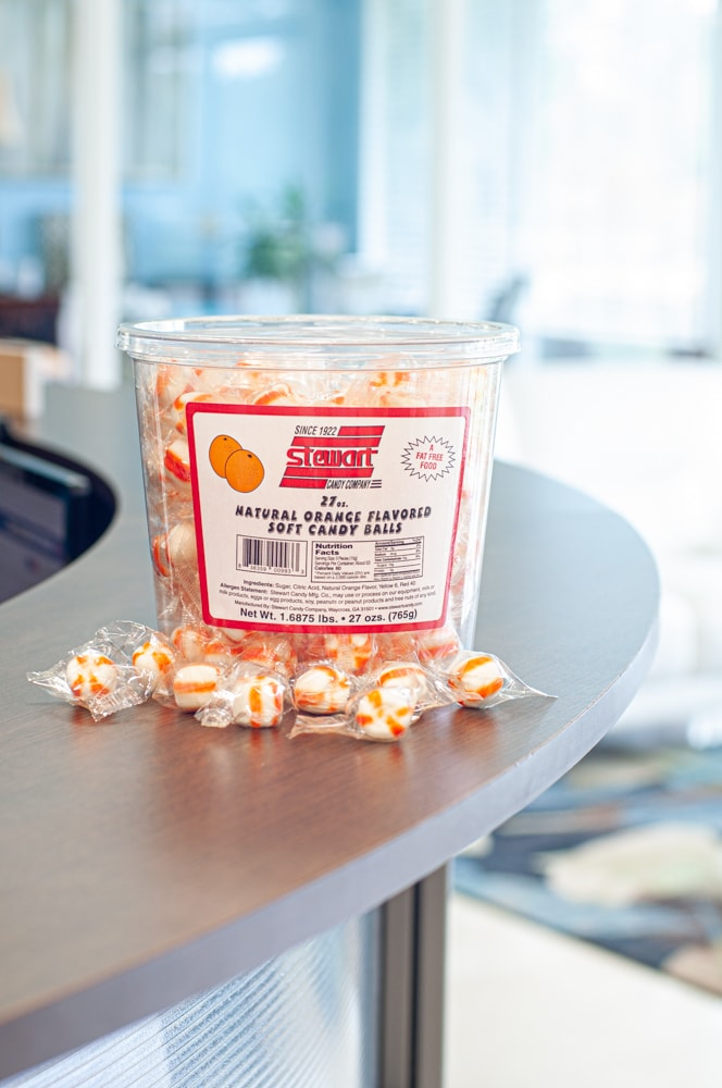 Stewart Candy Orange Flavored Soft Candy Puff Balls – 27oz Tub for Home,  Office, Break Rooms – Individually Wrapped, Fat-Free, Cholesterol-Free,